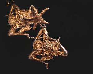 Trinacria sicilian earrings details jewerly